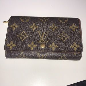 Louis Vuitton Tressor Wallet